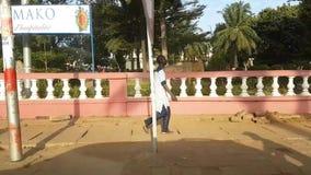 De straat van Bamakomali met stock video