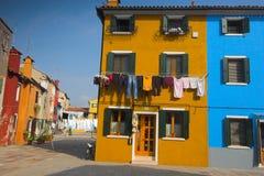 De straat van Burano Stock Foto