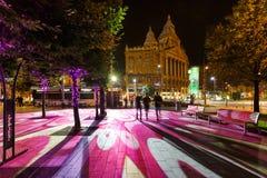 De straat van de nachtkleur van Boedapest royalty-vrije stock foto's