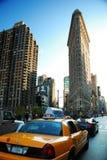 De straat van de Stad van New York met Gele Cabine Royalty-vrije Stock Afbeelding