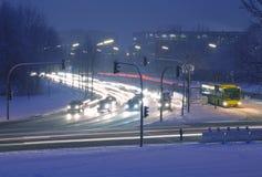 De straat van de winter bij nacht Stock Fotografie