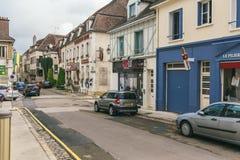 De straat van een kleine Franse stad royalty-vrije stock foto's