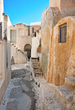 De straat van het Emporiodorp in Santorini, Griekenland Stock Fotografie