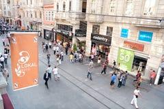 De Straat van Istiklal, Istanboel Stock Afbeeldingen