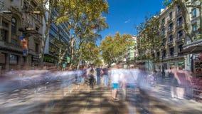 De straat van La Rambla in Barcelona timelapse hyperlapse, Spanje stock videobeelden
