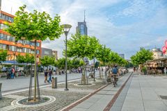 De straat van moederteresa in Pristina stock fotografie