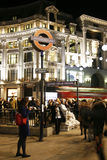 2013, de Straat van Oxford met Kerstmisdecoratie Stock Foto's