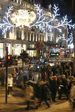 2013, de Straat van Oxford met Kerstmisdecoratie Royalty-vrije Stock Foto's