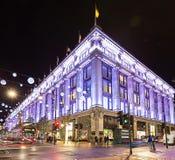13 de Straat van Oxford van November 2014, Londen, voor Kerstmis wordt verfraaid die Royalty-vrije Stock Afbeelding