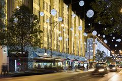 13 de Straat van Oxford van November 2014, Londen, voor Kerstmis wordt verfraaid die Stock Fotografie