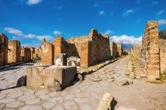 De Straat van Pompei, Italië Straat van de uitgravingen van Pompei na de uitbarsting van de Vesuvius stock fotografie