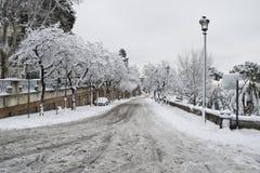 De straat van Rome onder sneeuw Stock Fotografie
