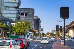De straat van de Sandtonstad in Zuid-Afrika Stock Afbeelding