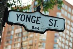 De Straat van Yonge - de beroemdste weg in Canada royalty-vrije stock afbeelding