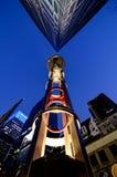 De Straathoek van het Times Squaregebied bij Nacht Stock Foto's