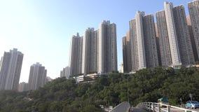 De straatmening van Hongkong Huizen op dicht bevolkt gebied van Kowloon Dec 2015 4K resolutie stock video