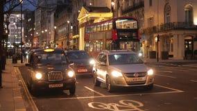 De straatmening van Londen in de avond stock video
