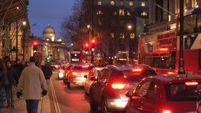 De straatmening van Londen in de avond stock videobeelden