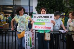 De straatprotest 12 April 2015 São Paulo van Brazilië Stock Foto's