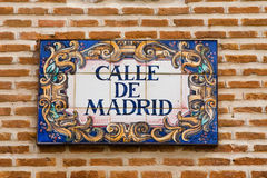 De straatteken van Madrid Stock Afbeeldingen