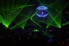De stralen van de laser op het overleg. DJ royalty-vrije stock foto's