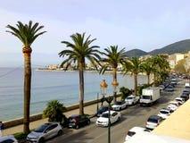 De strandboulevard van Ajaccio ` s in de lente Stock Foto's