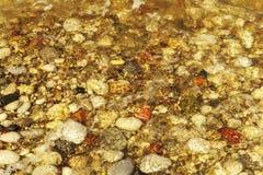 De stranden van Rhodos zijn mooi met kiezelstenen royalty-vrije stock afbeeldingen