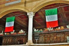 In de straten van bassano del grappa, paleizen en kerken met vierkanten van de mooie stad royalty-vrije stock afbeeldingen