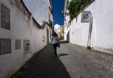 De straten van Lissabon portugal stock afbeeldingen