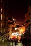 De straten van Parijs 's nachts - Montmartre Stock Foto