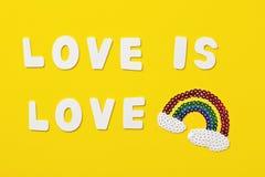 De strepensymbool van de regenboogkleur van de vrolijke Trots van LGBT De ruimte van het exemplaar royalty-vrije stock afbeelding