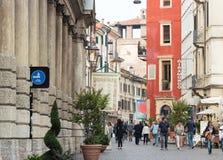 De streptokok van Rome en Castelvecchio-watchtower met de klok, Verona, het Royalty-vrije Stock Fotografie