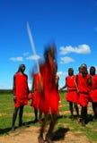 De strijder van Masai het dansen traditionele dans royalty-vrije stock fotografie