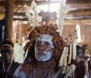 De strijder van Portretasmat met het traditionele schilderen en het kleuren op een gezicht Stock Afbeelding