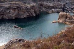 De stromen van de de riviercanion van Xi'anjinghe stock foto's