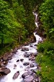 De stroom van de berg stock afbeelding