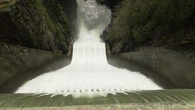 De Stroomversnelling van de Capilanorivier, Noord-Vancouver stock videobeelden