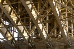 De structuur van de brug Staalkader van de brug Stock Afbeeldingen