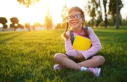 De student van de het schoolmeisje basisschool van het kindmeisje Stock Foto's