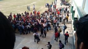 De studenten overbevolken menigte Royalty-vrije Stock Fotografie