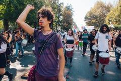 De studenten protesteren Onderwijswinst stock afbeeldingen