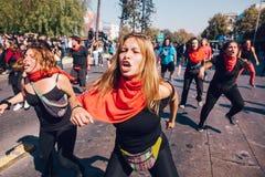 De studenten protesteren Onderwijswinst royalty-vrije stock afbeelding