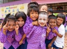De studenten van de kleuterschool in een Moslimgesubsidieerde lage school in een plattelandsgebied Royalty-vrije Stock Foto