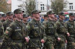De studenten van Militaire Middelbare school marcheren op militaire parade royalty-vrije stock afbeeldingen