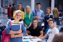 De studie van de studentengroep stock afbeeldingen