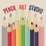 De studio van de potloodkunst Geplaatste kleurpotloden Stock Foto