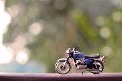 De stuk speelgoed motorfietsminnaar Royalty-vrije Stock Foto