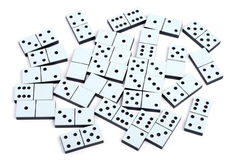 De stukken die van de domino op witte achtergrond leggen Stock Fotografie