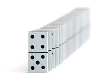 De stukken van de domino in een lijn Royalty-vrije Stock Foto
