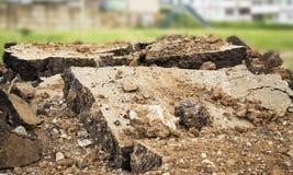 De stukken van het verbrijzelde beton Stock Foto